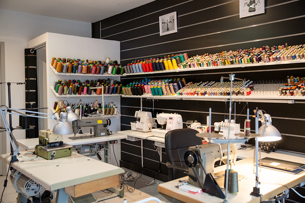 fabienne couture couturière isle sur la sorgue couturière couturiere machine magasin